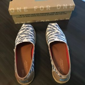 Toms Blue Bali Tribal Rope Sole slip ons